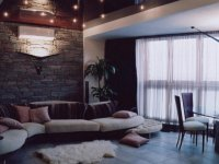 sufit w salonie